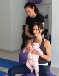 Mamás y sus bebés en pilates